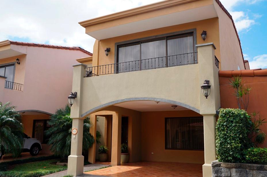 Casa en Venta en Condominio Los Sauces, San Francisco, Heredia