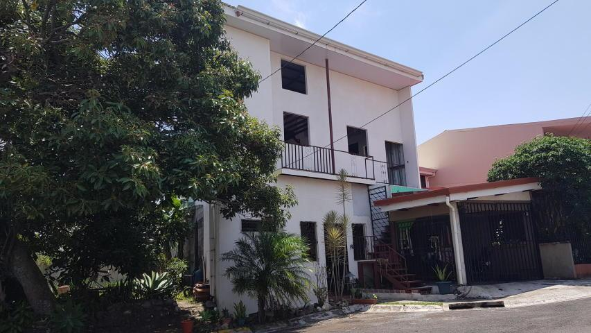 Casa en Venta en Mercedes Sur, Heredia, Mercedes, Heredia